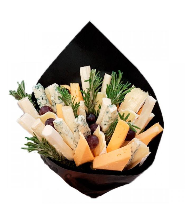 Букет из сыров с плесенью
