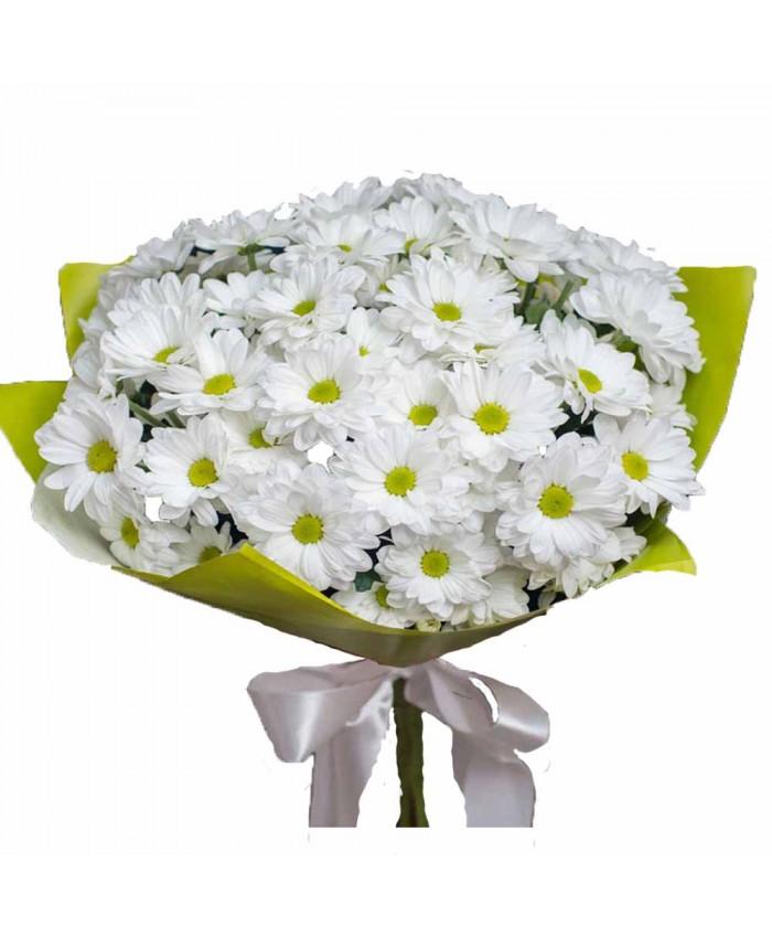 Букет из 7 веток белых хризантем